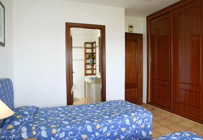 Ferienwohnung in Puerto del Carmen - Costa Luz block 5 superior 2 bed 2 bath apts.