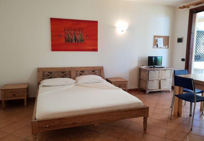 Ferienwohnung in Santa Maria - Porto Antigo One beach-front Studio
