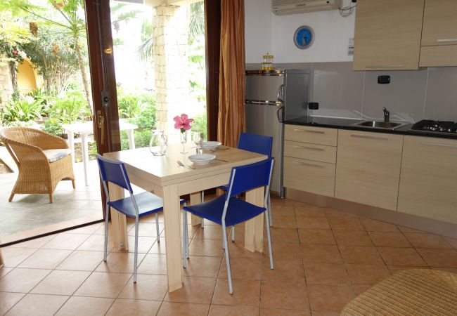 Appartement à Santa Maria - Porto Antigo One beach-front Studio