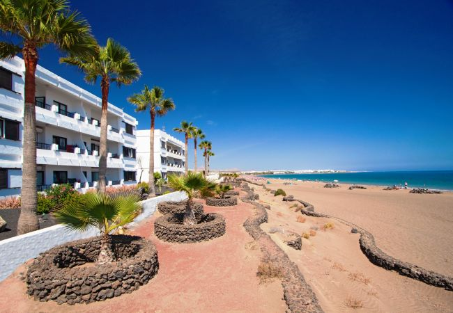 Appartamento a Puerto del Carmen - Costa Luz block 6 beach-front 2 bed 2 bath apts.