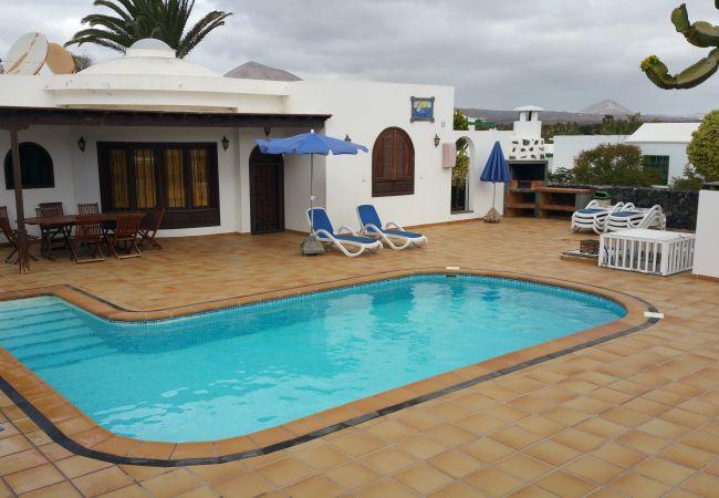 Villa em Puerto del Carmen - Villa Aphrodite