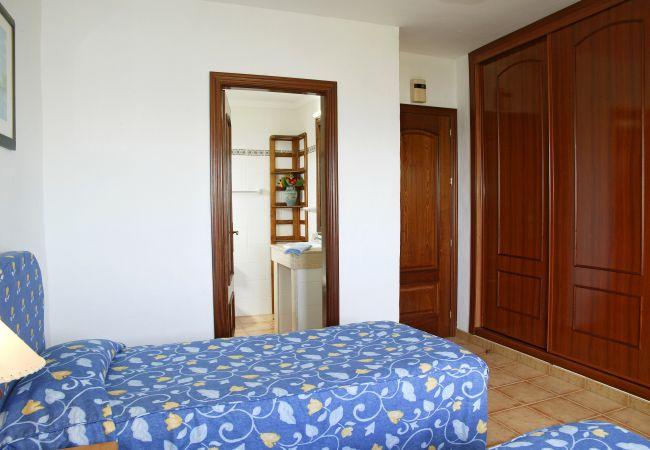 Apartamento em Puerto del Carmen - Costa Luz beach front block 6 Two bedroom apts.