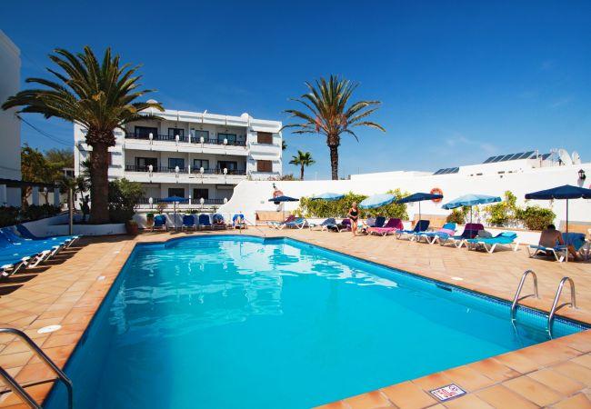 Apartamento em Puerto del Carmen - Costa Luz block 6 beach-front 2 bed 2 bath apts.