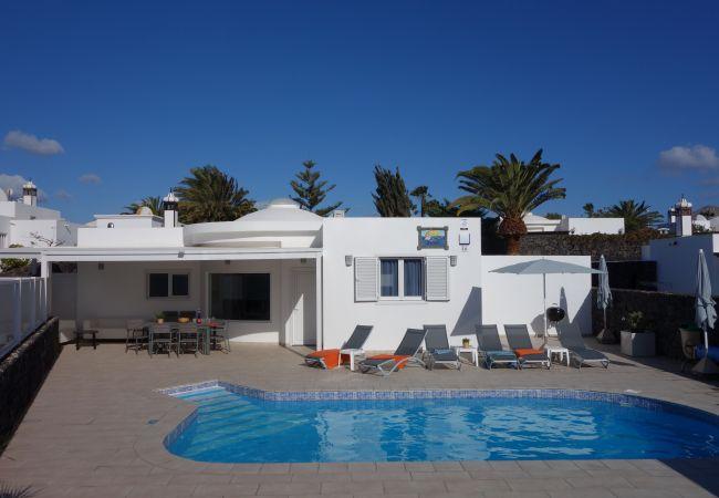 Villa/Dettached house in Puerto del Carmen - Villa Apollo